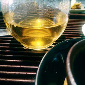 茶叶水变浑浊什么原因