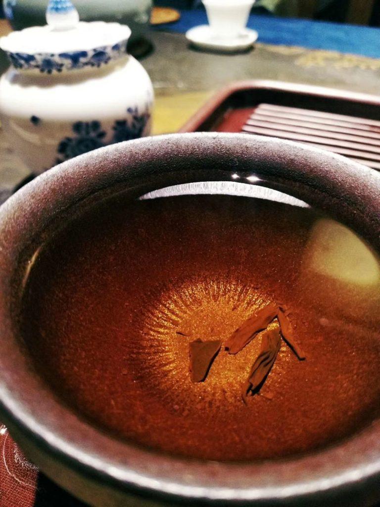 红茶茶汤的金圈在哪里