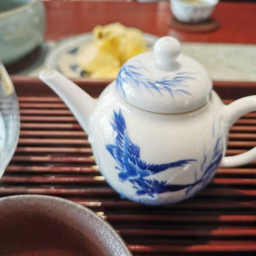 老白茶放在什么容器醒最好