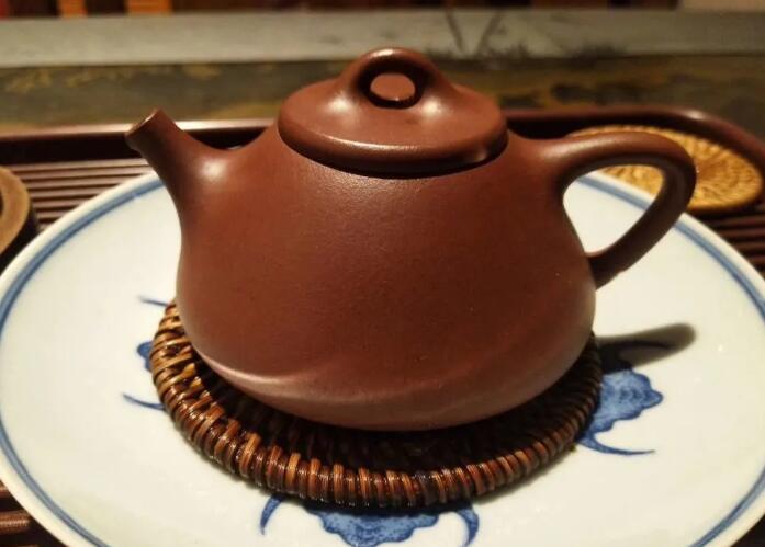 普洱茶和红茶可以用一个紫砂壶泡吗?
